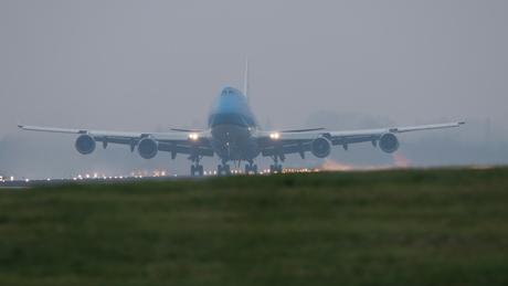 747 lift off