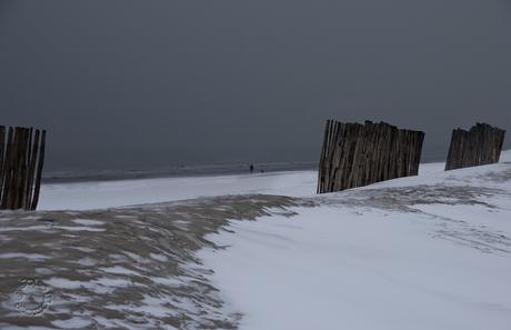 sneeuw op het strand.jpg