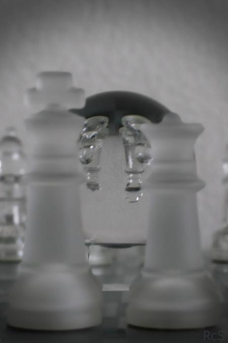 Chess 1 - Schaak met glazen bol - foto door RcS op 04-02-2018 - deze foto bevat: glas, schaak