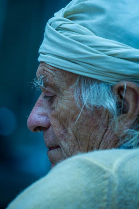 Man met hoofddoek