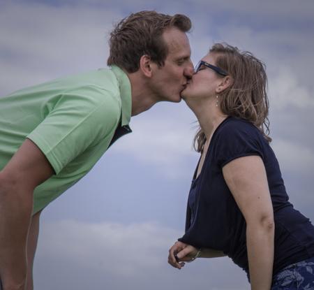 Romantiek - een mooi romantisch moment met mijn partner Barbara. kort om ik hou van haar . een van de mooiste dingen aan het leven liefde - foto door sipmaurer op 20-10-2020 - deze foto bevat: zelfportret, liefde, daglicht, emotie, partner