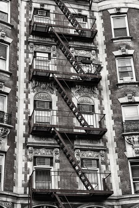 Somewhere in New York - - - foto door Vivo op 27-10-2019 - deze foto bevat: bewerking, trappen, amerika, duotone, New York, Big City