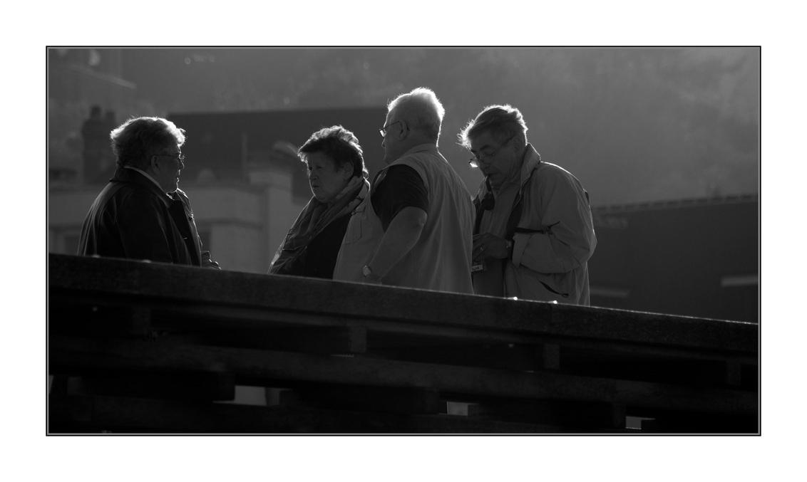 straat 11 - - - foto door bernhard48 op 17-02-2018 - deze foto bevat: mensen, straat, zwartwit, straatfotografie