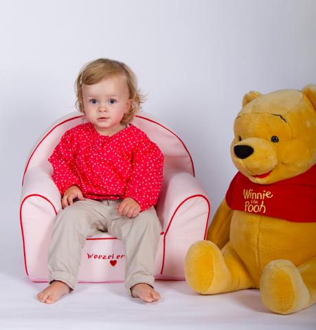 Sophie met Winnie The Pooh