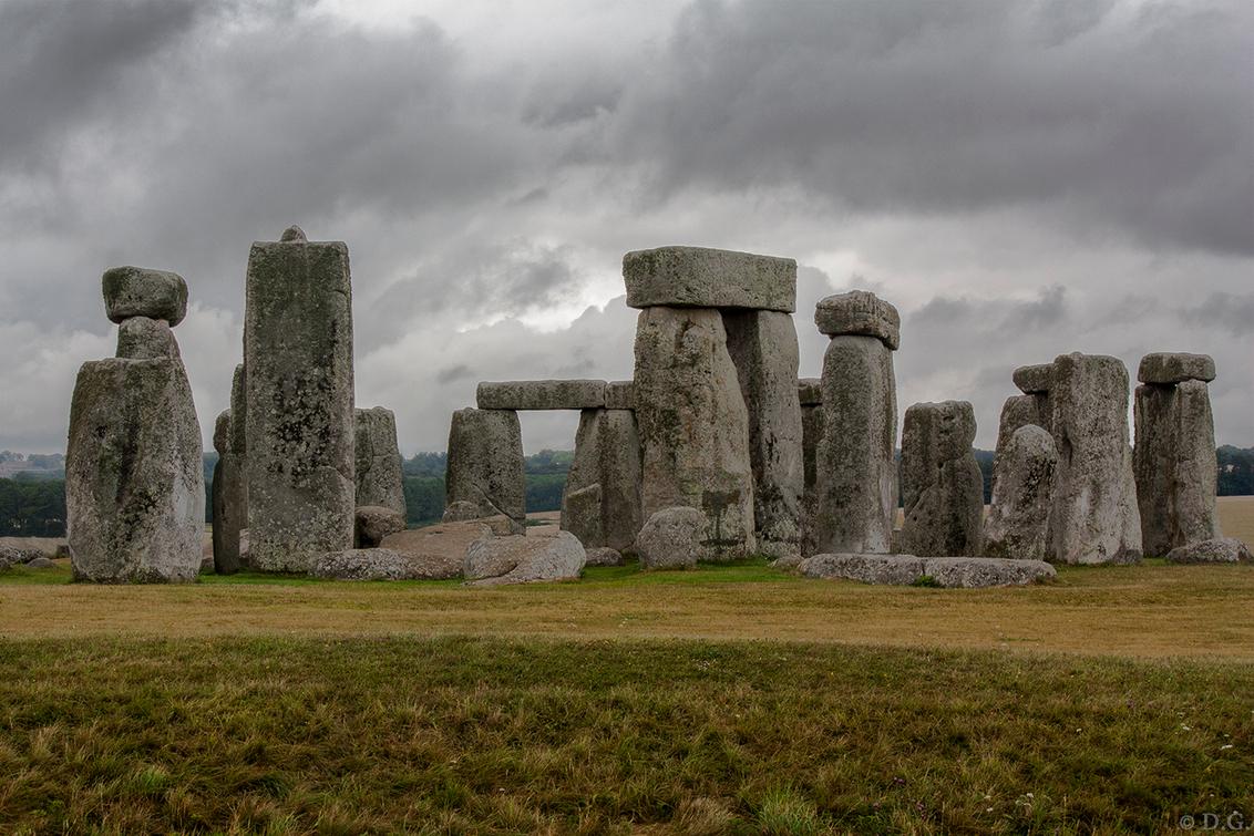 South England 4 - Juli 2013, mijn eerste vakantie in Engeland. Foto nummer 4 uit mijn serie 'South England'.  De Stonehenge stond op mijn verlanglijstje en dus bezo - foto door daniel44 op 17-09-2013 - deze foto bevat: monument, historisch, engeland, stonehenge, amesbury