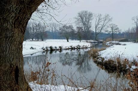 Meanderen door het winterlandschap