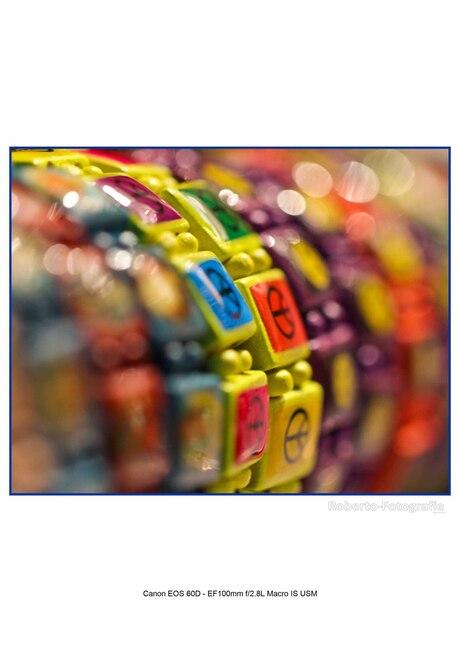 armbandjes op de pasar malam in arnhem