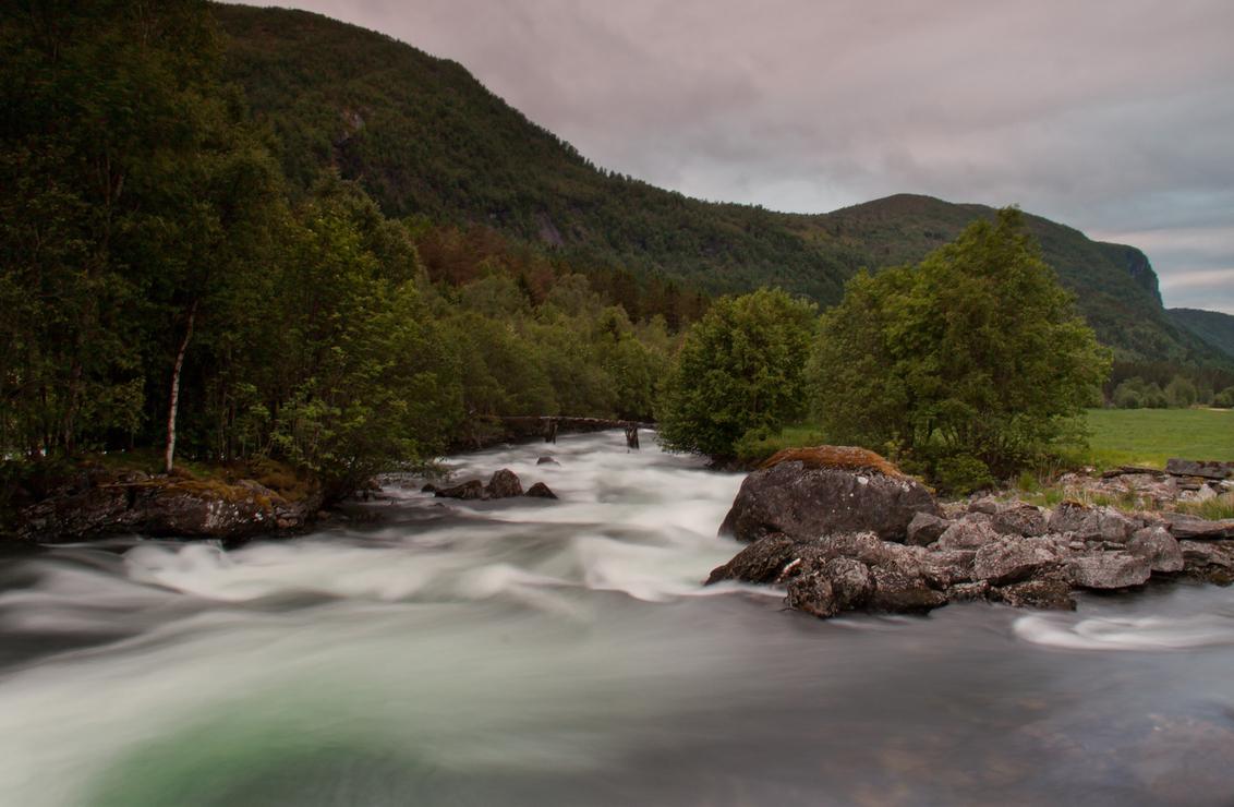 Floading - .. - foto door hillegonda op 03-07-2013 - deze foto bevat: lucht, water, avond, noorwegen, sluitertijd