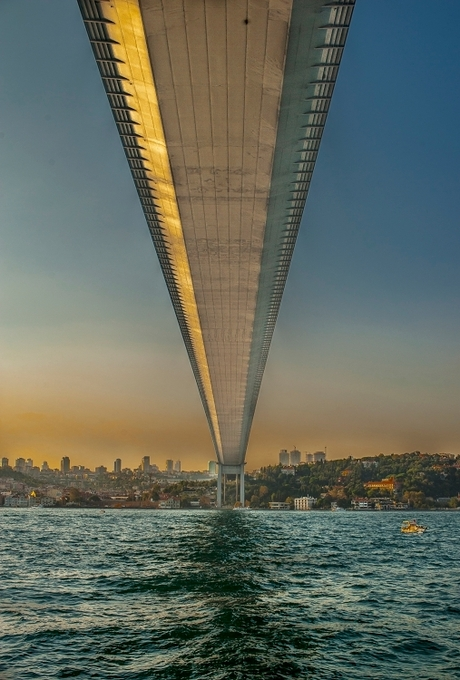 auto brug boven de Bosporus