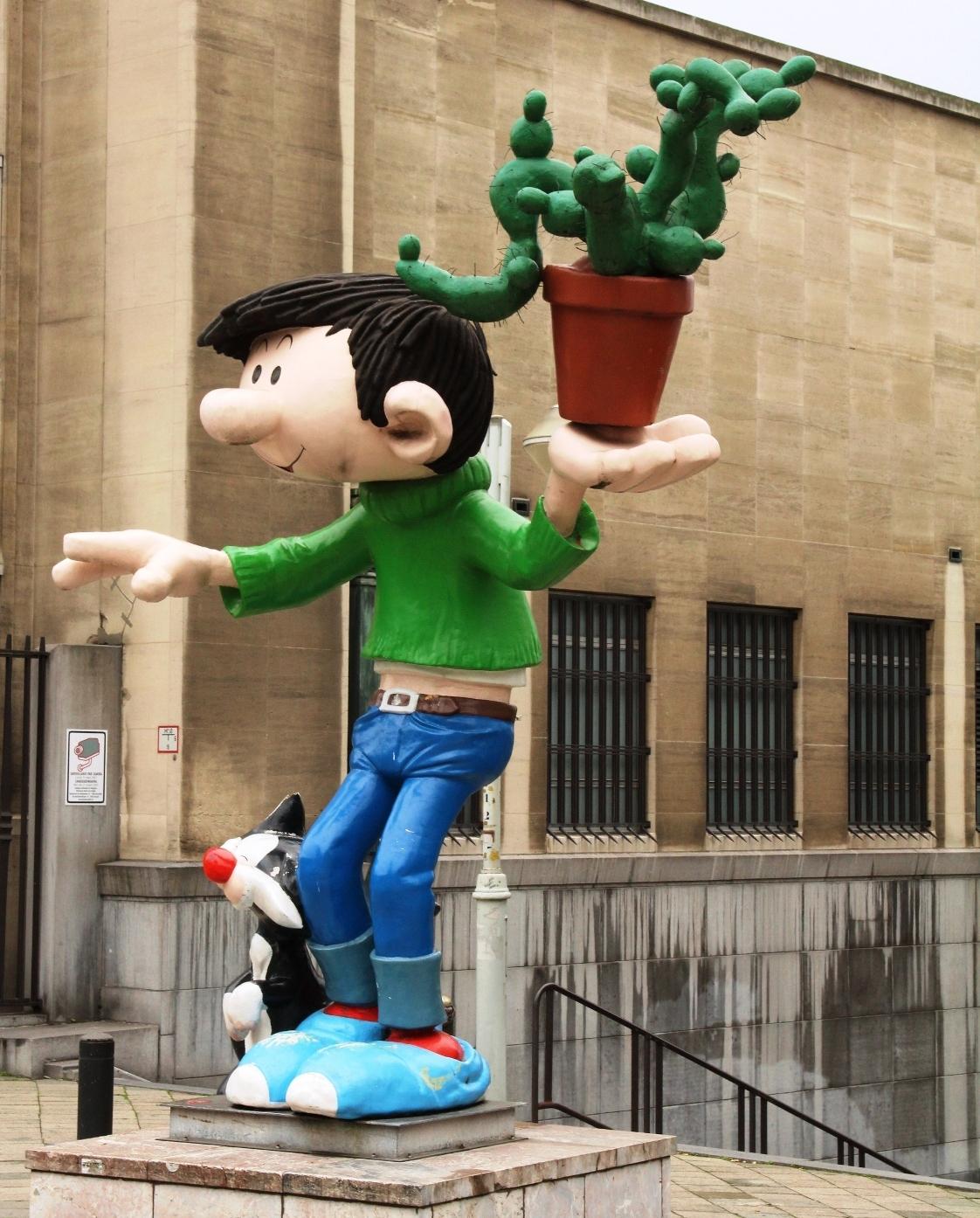 brussel - kom je zomaar tegen - foto door herimo op 22-10-2012 - deze foto bevat: groen, blauw, brussel, guust, flater