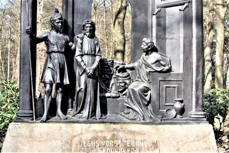 word's and statue's said enough - - - foto door sweetnic86 op 28-02-2021 - deze foto bevat: architectuur, kerkhof, cultuur