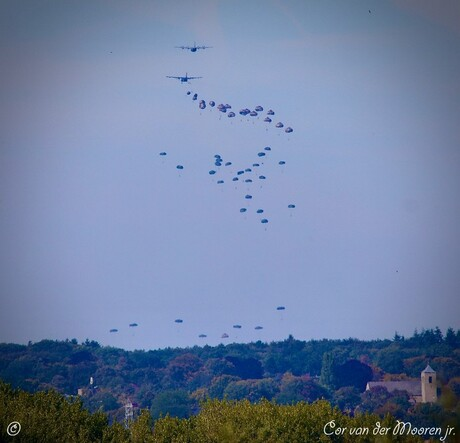 paradropping Ginkelse Heide