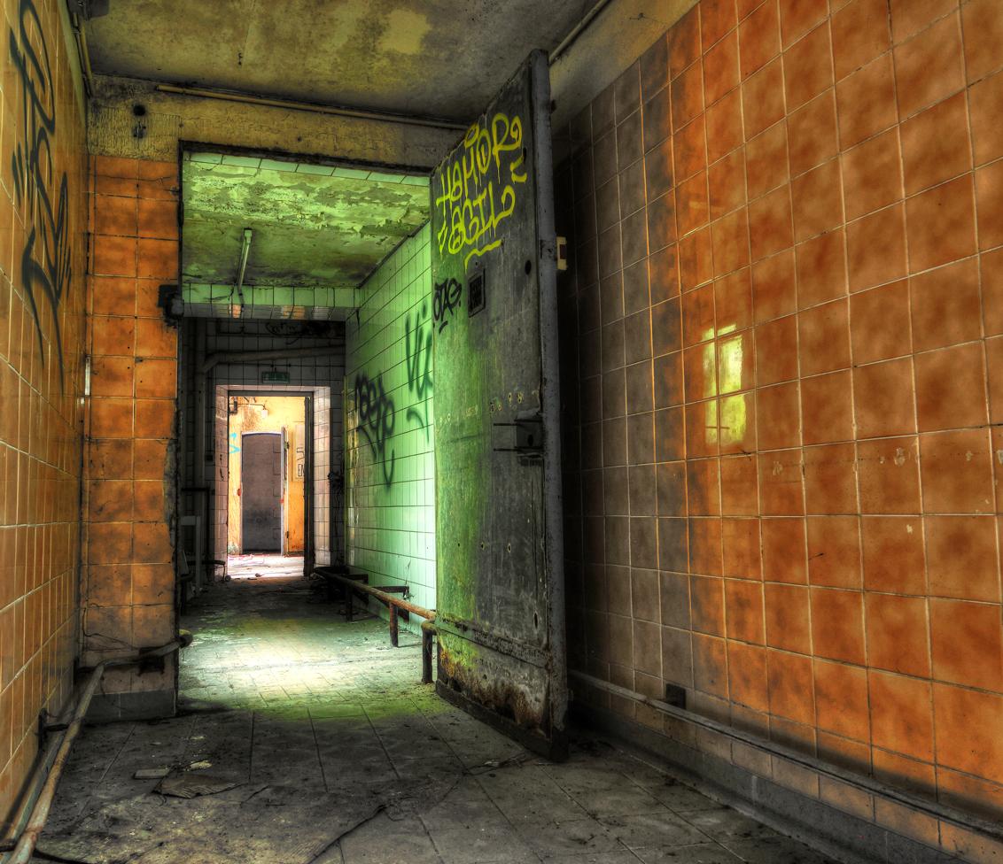 DSC00028_29_30_tonemapped - prison h15 - foto door dx3 op 08-11-2015 - deze foto bevat: photoshop, urbex, tonemapping, urban exploring