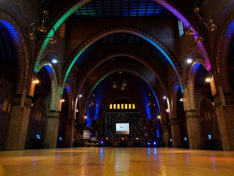 Dansvloer in kerk Noordhoek