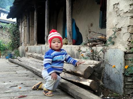Nepalees jongentje in Ghandruk (Nepal)