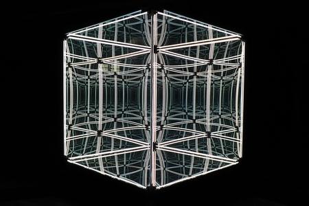 Glow next Strijp-S - Deze kubus van spiegels onder druk is geweldig voor fotografen. De mooiste abstracte beelden kun je vastleggen. - foto door Lathyrus op 08-11-2015 - deze foto bevat: licht, eindhoven, glow, strijp S, Glow Next, glow 2015