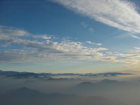 hoog boven de Alpen 2 - vliegreis naar italy - foto door slotracer-nl op 30-10-2009 - deze foto bevat: sneeuw, berg, wing
