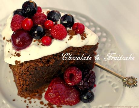 Chocolade cake met fruit
