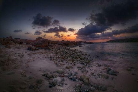 jan thiel baai - Vorig jaar april in Curacao, wat was het daar heerlijk! Gemaakt met een 12mm fisheye lens. - foto door autofocus op 26-01-2018 - deze foto bevat: wolken, zon, uitzicht, strand, zee, natuur, zonsondergang, reizen, landschap, zomer, amerika, curacao