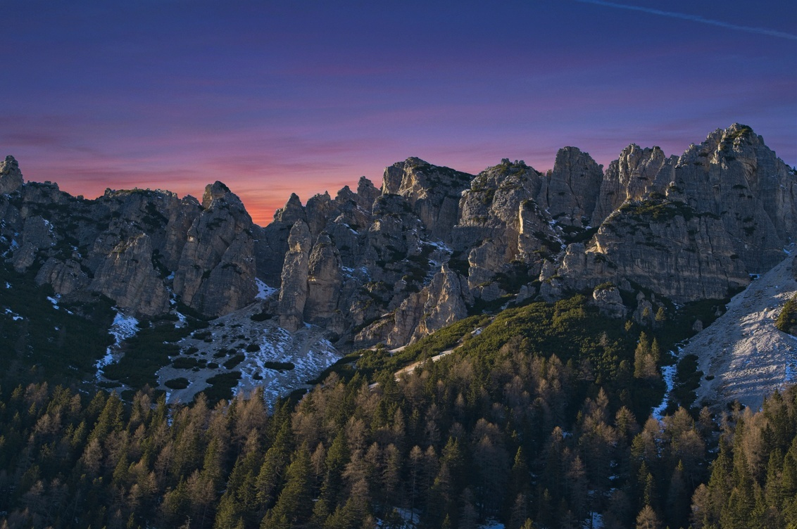 Monte Cristallo sunset - The 2018 winter, we went to  Val Pusteria, Dolomites. Our location was perfect for some of the most iconic places on the Dolomites. This shot is from - foto door lcutolo op 02-12-2019 - deze foto bevat: zon, panorama, pink, natuur, licht, sneeuw, winter, avond, zonsondergang, landschap, bomen, bergen, landscape, mountains, hdr, sony, snow, italy, alps, saturation, dusk, scape, vignette, tlp, ai, peaks, flickr, misurina, cime, Dolomites, purple sky, sony alpha, ngc, world trekking, world trekker, perfect effect, one software, blue hours, onone, luca cutolo, sun-set, purple sunset sky, sony a7iii, south tyrol, onone raw 2019, luminar3, onone raw 2020, luminar4, belluno, auronzo di cadore, somadida