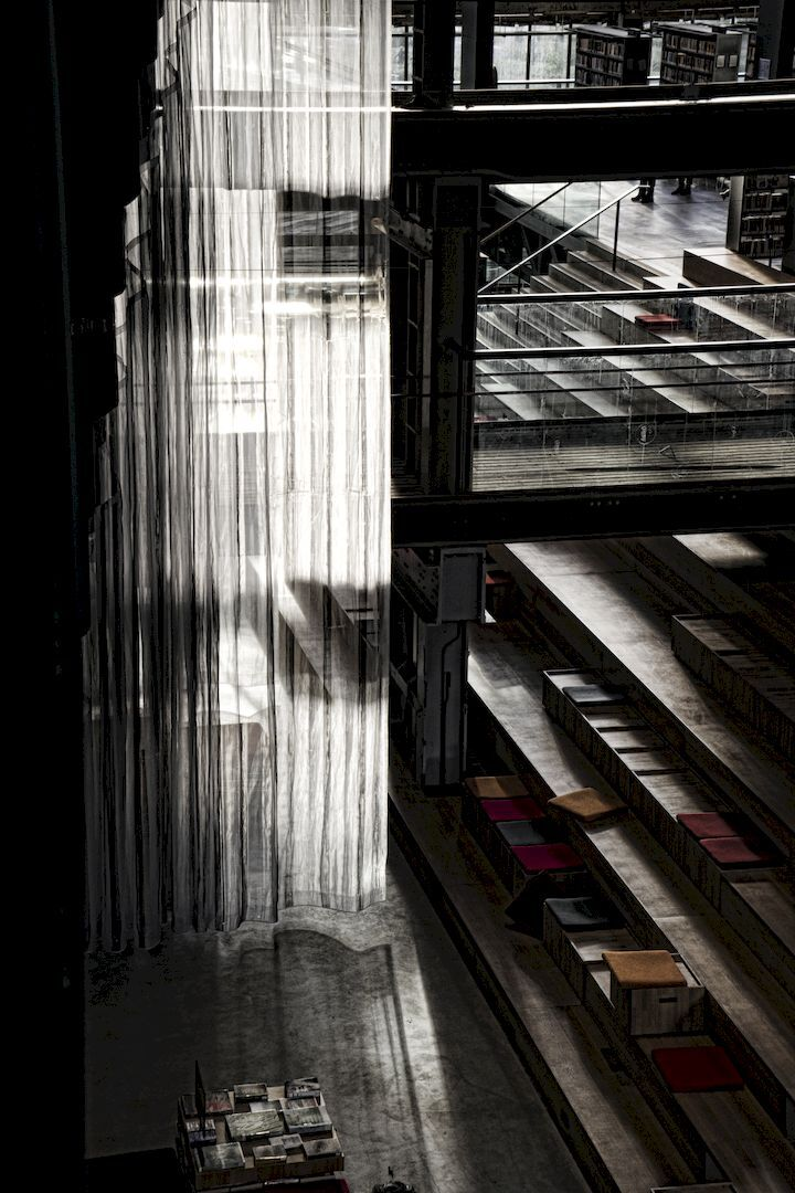Lochal Tilburg - - - foto door Jules_zoom op 24-02-2021 - deze foto bevat: licht, lijnen, gebouw, tilburg, bibliotheek, lochal
