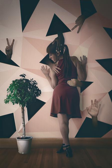 Huidhonger - Na een aantal artikelen over huidhonger gelezen te hebben, zat ik mij te bedenken hoe ik dit visueel het beste kon uitbeelden, zonder dat het een 'ho - foto door Elianne92 op 28-05-2020 - deze foto bevat: licht, portret, bewerkt, fantasie, zelfportret, kunst, bewerking, sfeer, photoshop, manipulatie, wallpaper, bewerkingsopdracht, bewerkingsuitdaging