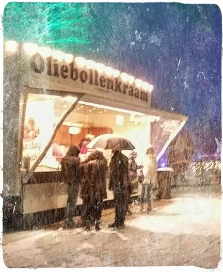 Smullen in de sneeuw.