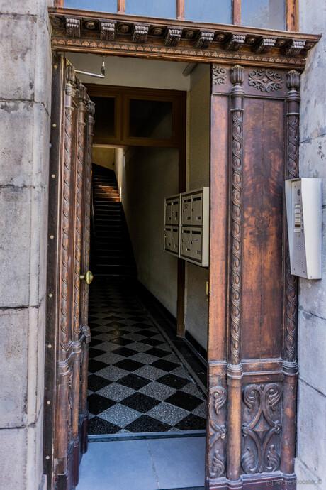07462 what is behind the door