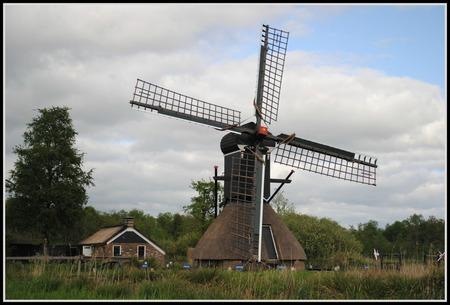 Molen Kalenberg. - Hemelvaartsdag rondrit gemaakt in Noordwest Overijsel. - foto door FemmieKoekoek op 18-05-2015