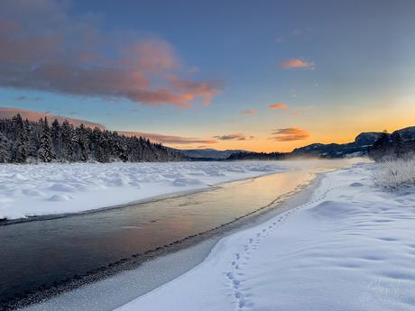 Frozen river Glomma