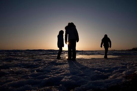 Silhouetten op het ijs