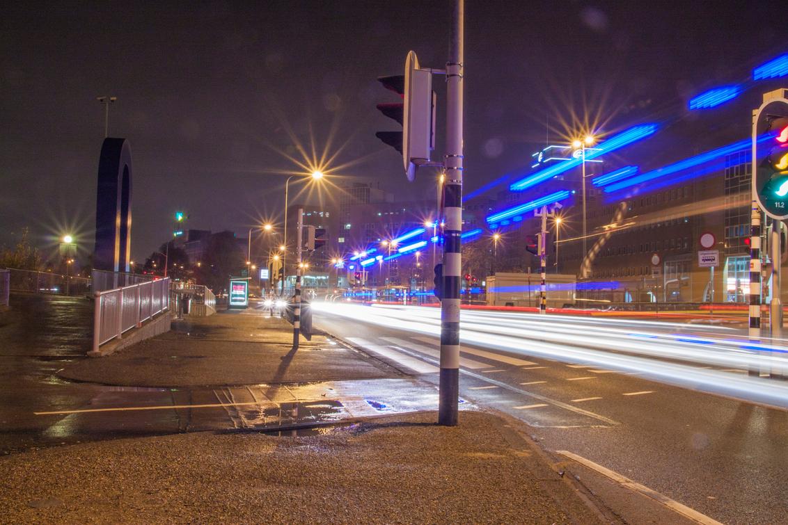 Vanwaar die haast - Waar is die Ambu, tijdens nacht der nachten Groningen - foto door janeising op 17-01-2015 - deze foto bevat: groningen, artestiek, bulb