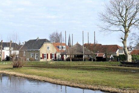 P1140256 Maasland Kerkweg Doorkijkje toren 24 feb 2021