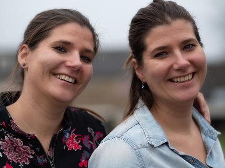 Eeneiige tweeling Leonie en Barbara 1