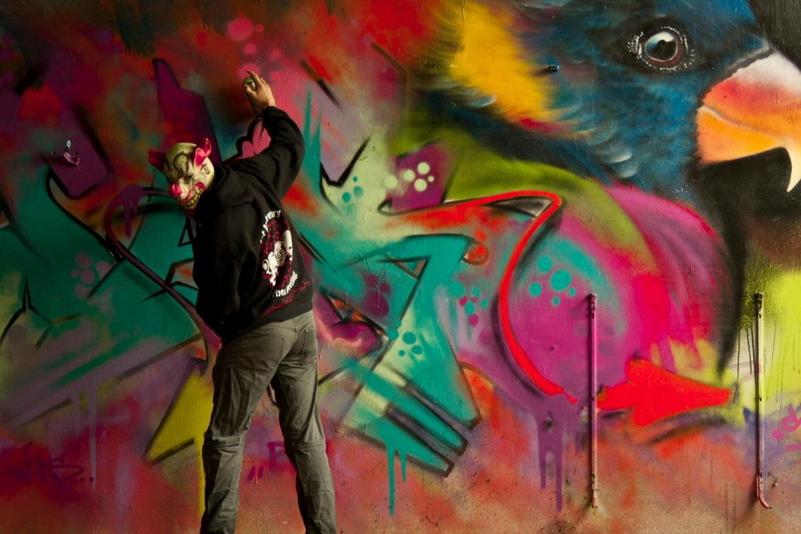 paintng clows - tijdens mn urbex avonturen gemaakt - foto door fvandijk_zoom op 21-08-2011 - deze foto bevat: clown, grafiti, urbex