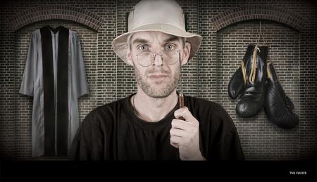 The choice - - - foto door marley op 03-01-2010 - deze foto bevat: man, bril, portret, vrede, oorlog, maken, priester, gewaad, bokshandschoenen, kueze
