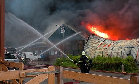 Bluswerkzaamheden tijdens grote brand in Egmond
