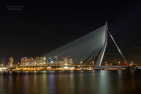 erasmusbrug by night