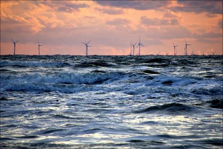 Windmolenpark in zee