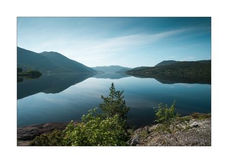 Moment of Clarity - - - foto door Joshua181 op 09-11-2017 - deze foto bevat: lucht, zon, water, lente, natuur, licht, vakantie, spiegeling, landschap, bergen, meer, noorwegen, reisfotografie