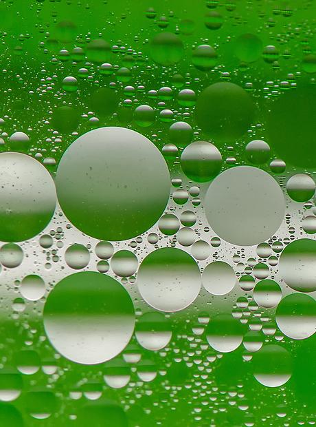 Spelen met water en olie (3)