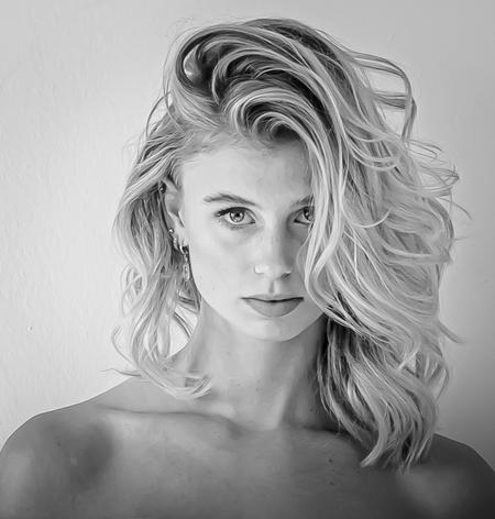Lieke - - - foto door Worm70 op 29-10-2020 - deze foto bevat: beauty, zwartwit, blond, fotoshoot