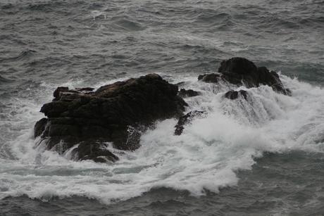 Rots in de zee.