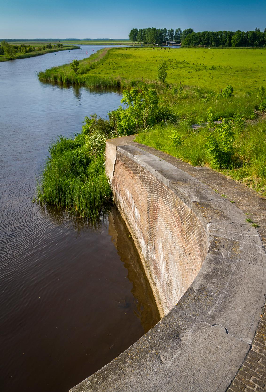 Zoutkamp3 - - - foto door CeesJoppe op 01-06-2018 - deze foto bevat: water, groningen, zoutkamp, Friese sluis