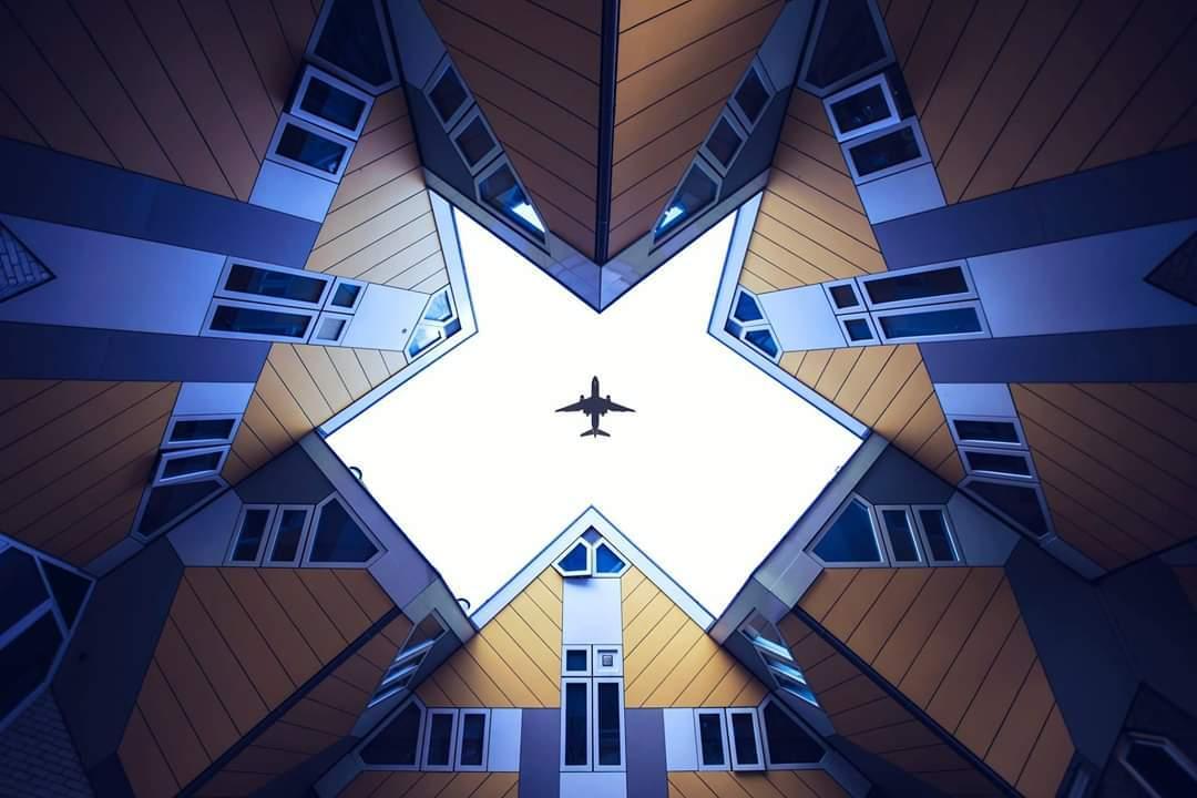 Kubushuisjes - - - foto door christophe0410 op 06-12-2018 - deze foto bevat: lucht, abstract, rotterdam, licht, lijnen, architectuur, gebouw, kunst, stad, huis, tonemapping, kubushuisjes, kubus huisjes