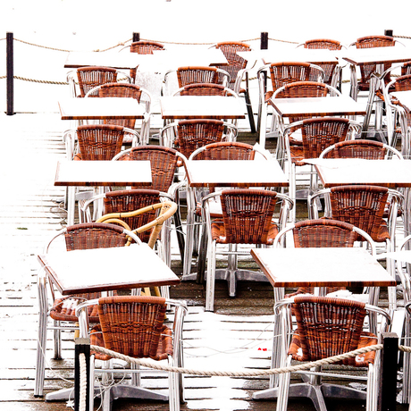 Tafels en stoeltjes