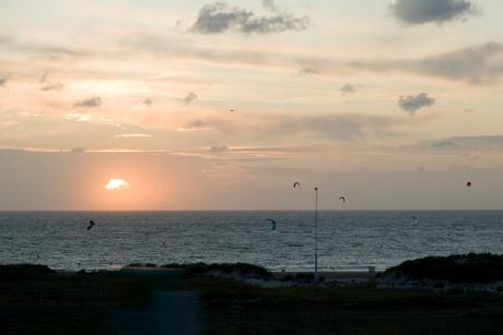 Kitesurfers evening