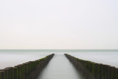 Stop the time (2/3) - - - foto door JNSSN op 04-04-2018 - deze foto bevat: strand, zee, water, landschap, zand, pier, zeeland, kust, nederland, westenschouwen, lange sluitertijd