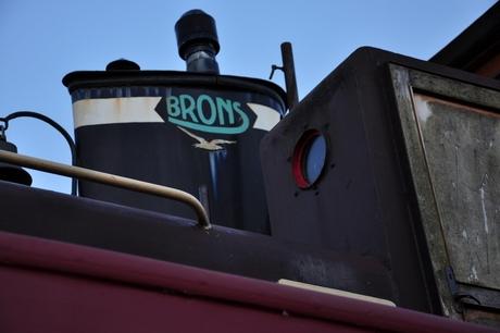 schoorsteen Brons