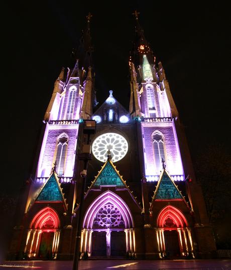 Catharinakerk tijdens Glow.